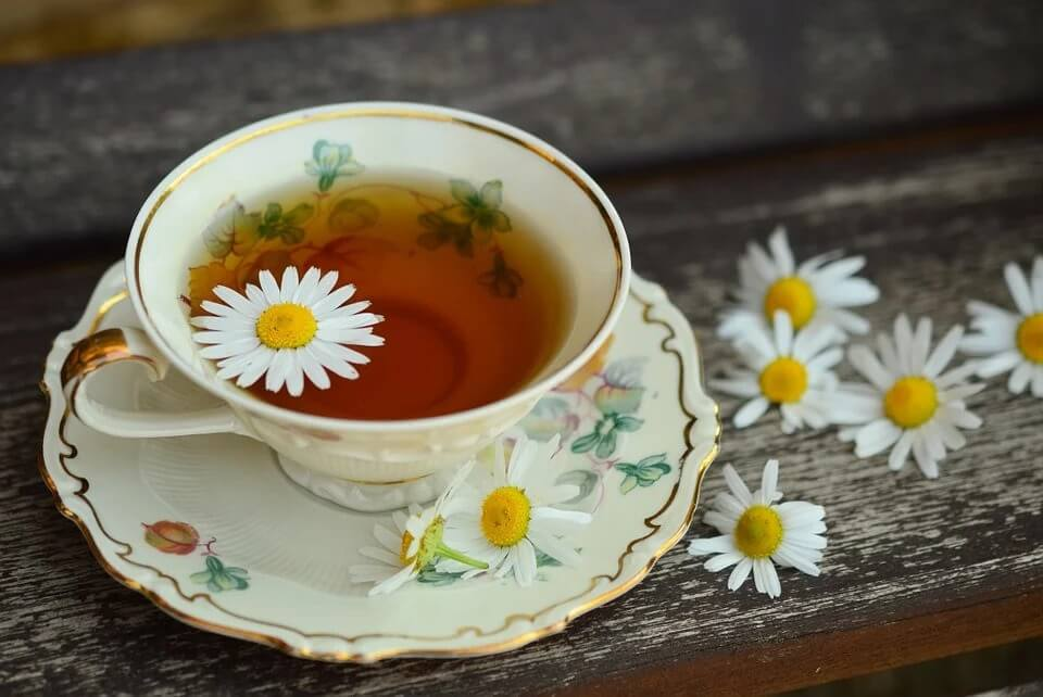 Chamomile-tea-is-very-effective-at-rejuvenating-your-mood-and-skin. - Copy